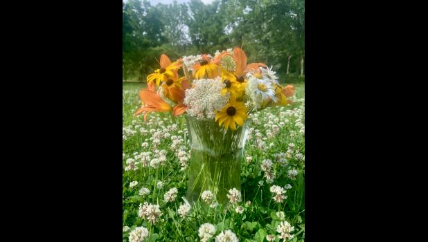 An edible bouquet of wildflowers (photo credit: Ann Hines)