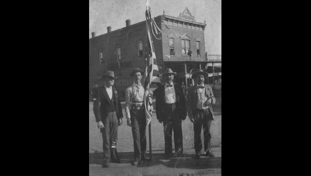Spanish American War Veterans - Captain Norris B. Wilkinson on Right